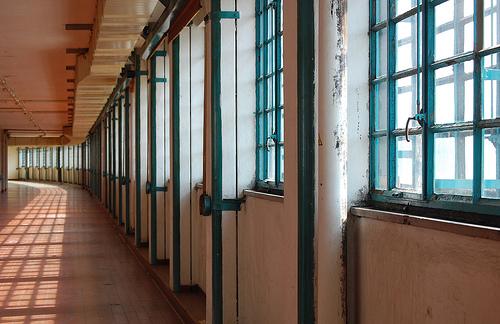 hallwaytabr.jpg